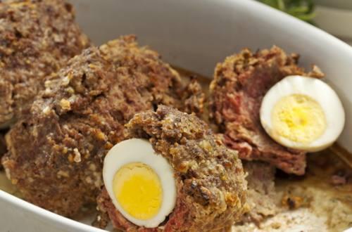 Яйца, запеченные в фарше