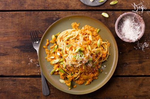 Spaghetti Bolognese mit Linsen