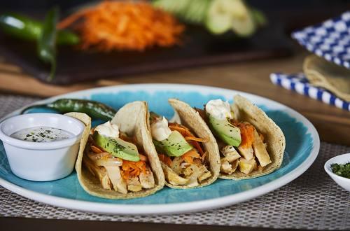 Tacos de Pollo Braseado