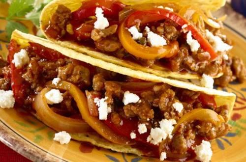 Tacos De Chorizo Italiano Y Chile Morron Al Chipotle
