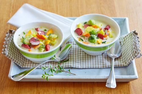 Knorr - Kartoffel-Rosenkohl-Eintopf mit Cabanossi
