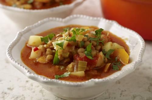 Estofado de hortalizas y lentejas a la boloñesa