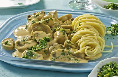Knorr - Spaghetti-Nester mit Pilzsauce und Gremolata