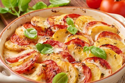 Ovenschotel aardappel tomaat