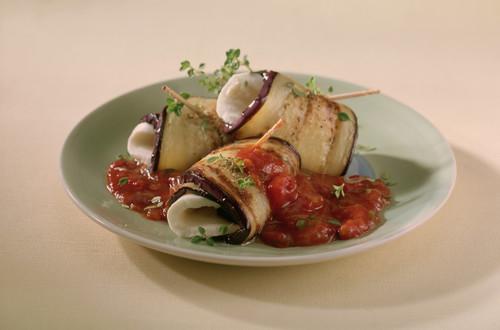 Auberginen-Mozzarella-Roellchen