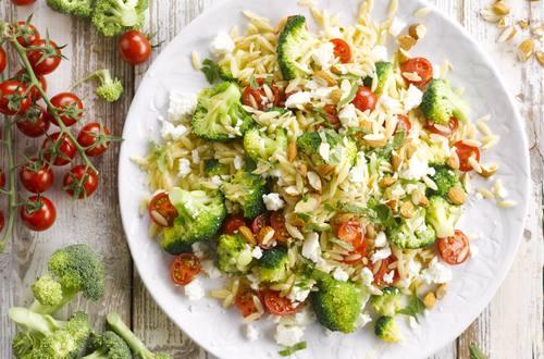 Knorr - Orzo Pasta mit Broccoli und Feta