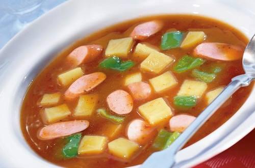 Knorr - Scharfe Erdäpfel-Gulaschsuppe mit Würstel