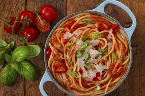 Knorr - One Pot Pasta mit Kirschtomaten