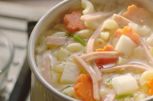 ซุปมักกะโรนีแฮมเส้น