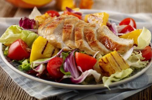 Ensalada de pollo y calabaza