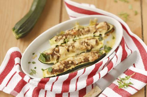 Knorr - Gefüllte Zucchini mit Faschiertem