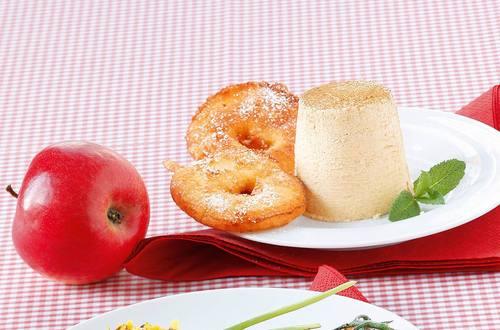 Knorr - Gebackene Apfelscheiben mit Zimtparfait