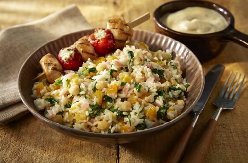 Knorr - Orientalischer Reissalat mit Hähnchenbrust-Spießen