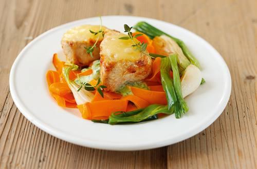 Knorr - Überbackene Putenmedaillons mit Gemüse