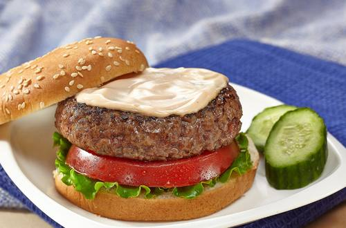 Juicy Burger with Creamy BBQ Sauce