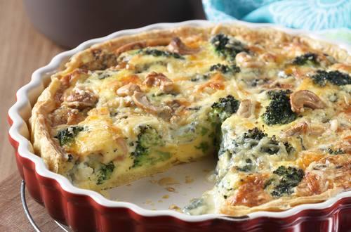 Quiche aux broccoli, noix de cajou, fromage bleu & soupe forestière