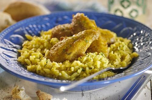 Alitas de pollo con arroz