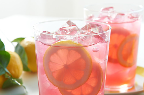 Floating Lemon-Strawberry Acai Iced Tea