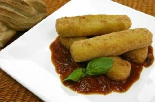 Muzzarella frita mediterránea