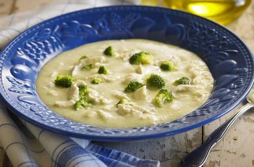 Sopa crema de pollo y brocoli