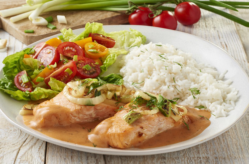 Lachs in Tomatensahne