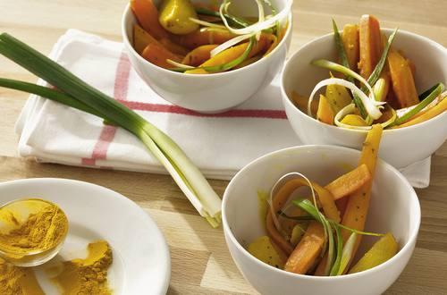 Möhren-Schalotten-Salat