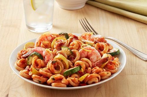 Crevettes aux tomates et basilic