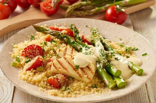 Gegrillter_Spargel_Halloumi_Couscous-Salat