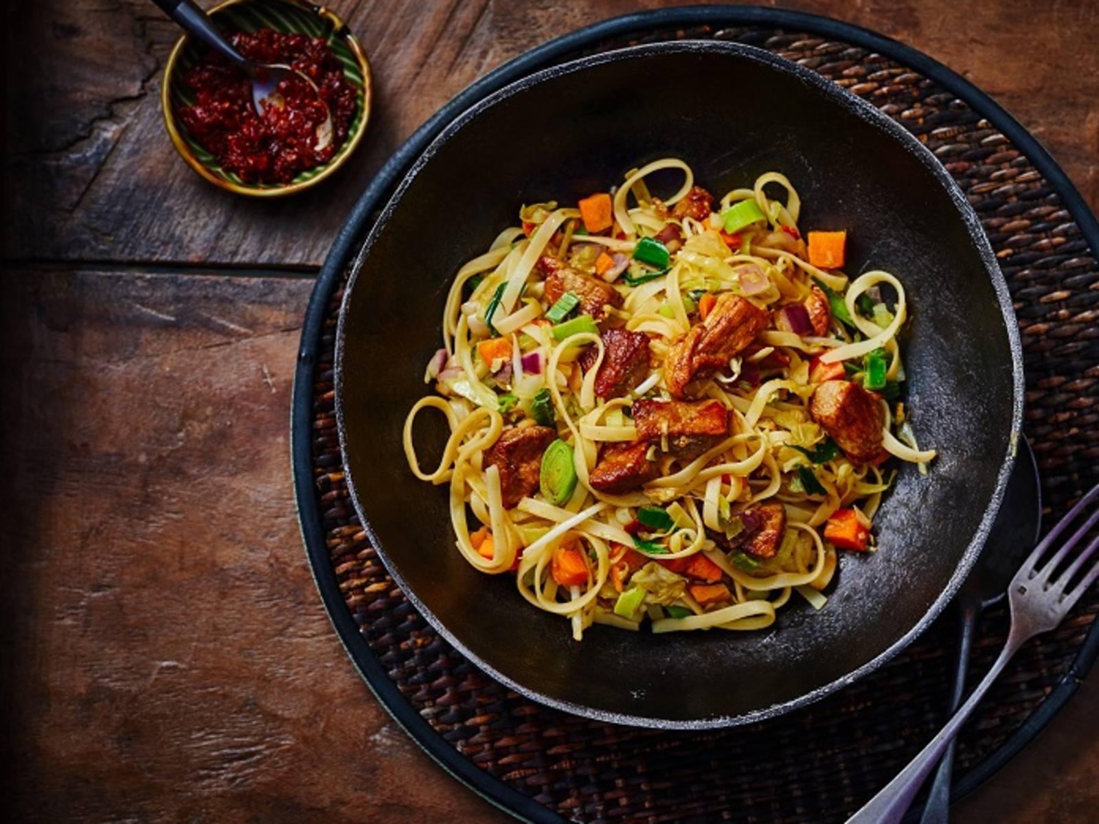 Bami Goreng met groenten en vlees