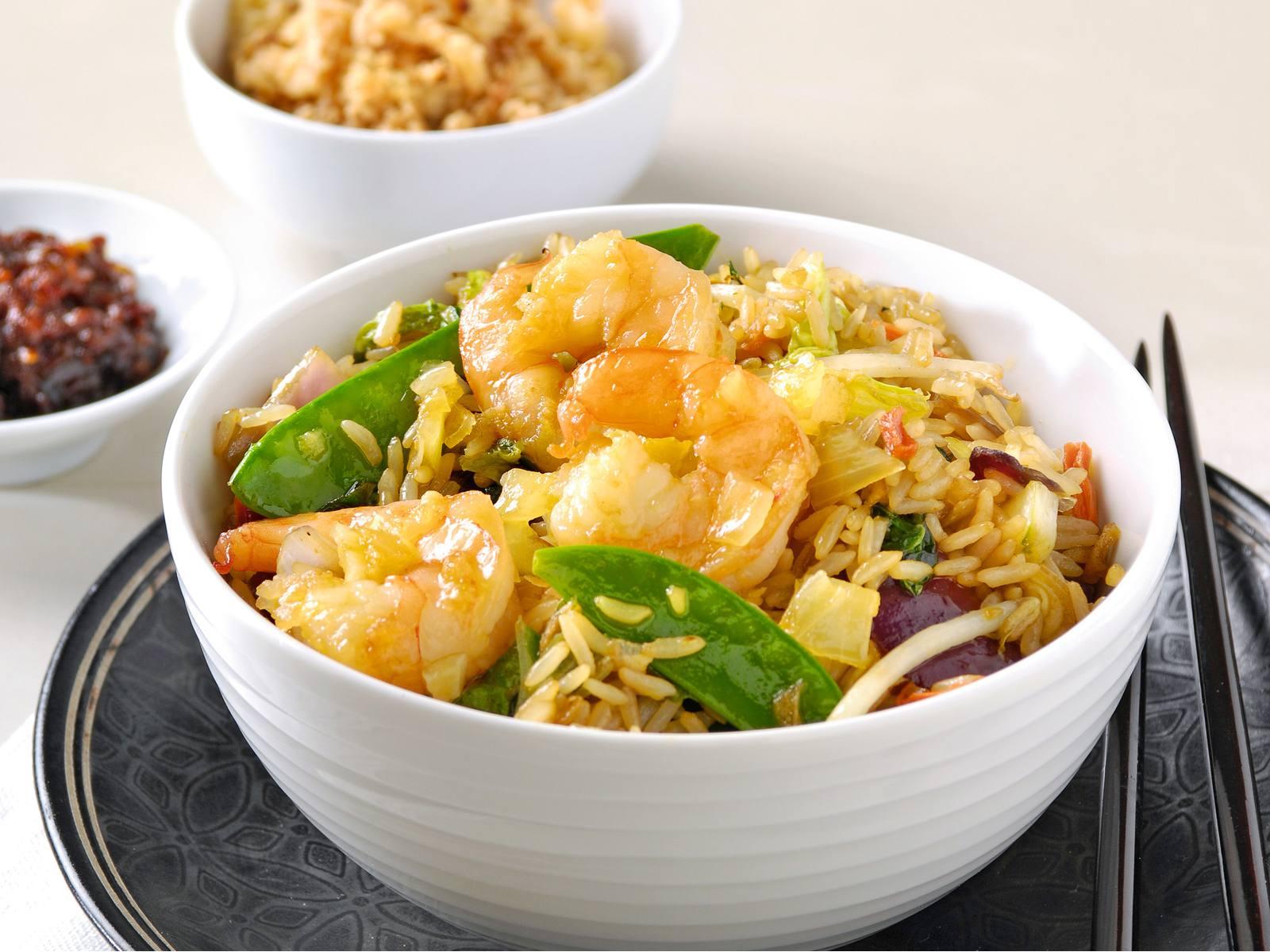 Nasi met gember en garnalen