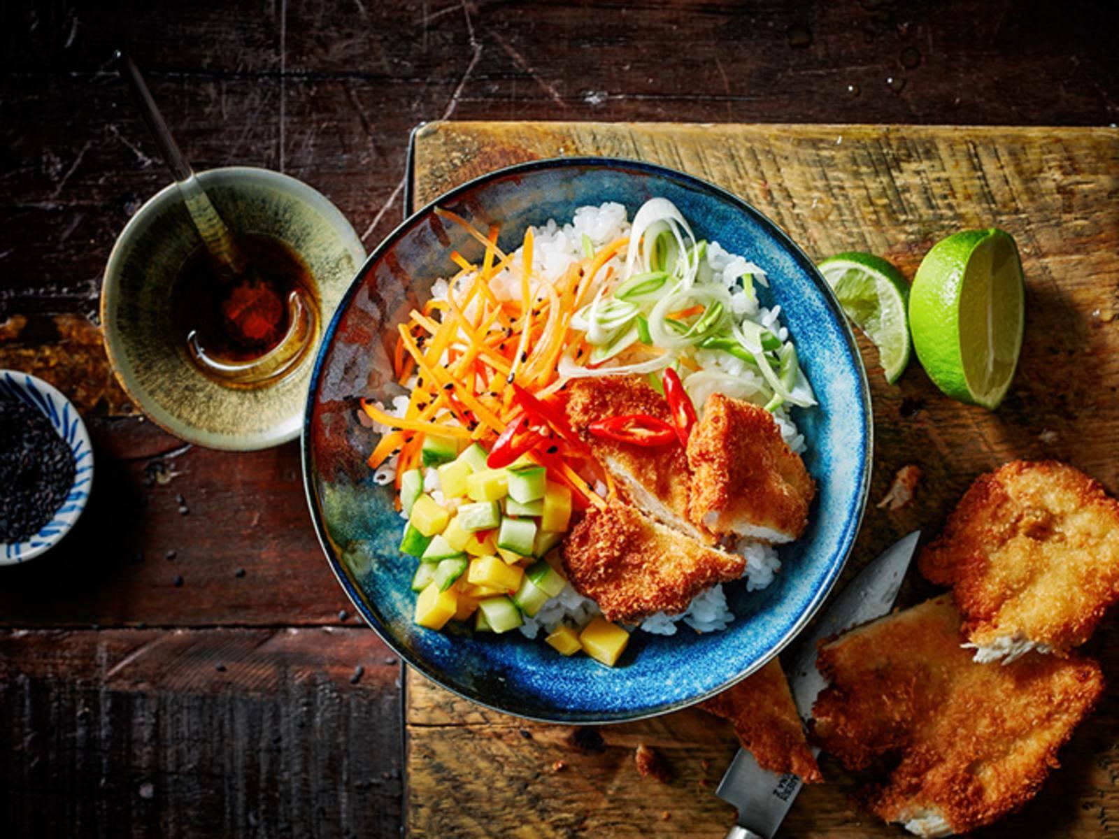 Poké bowl krokante kip