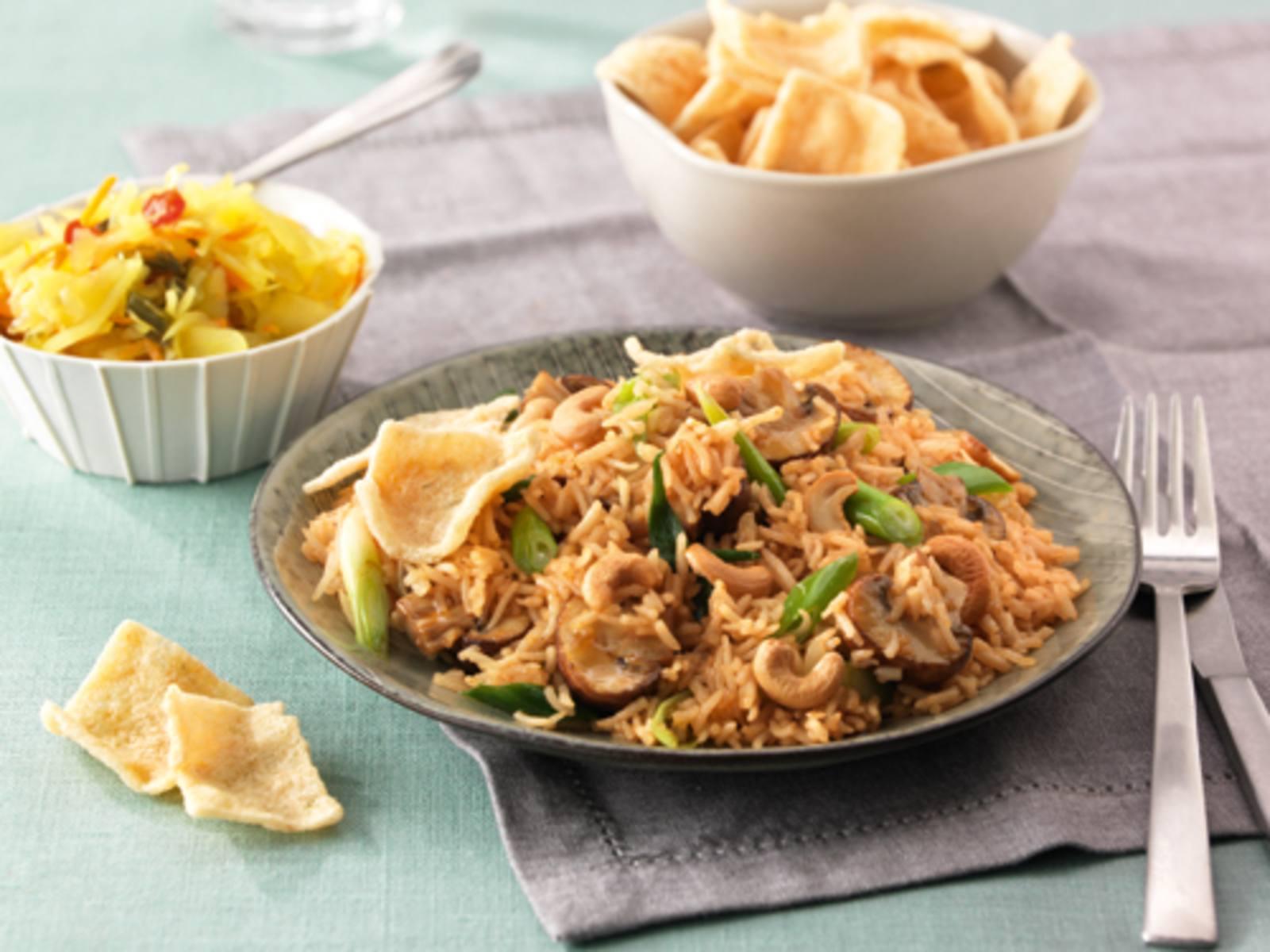 Hoisin rijst met champignons, lente-ui en cashewnoten