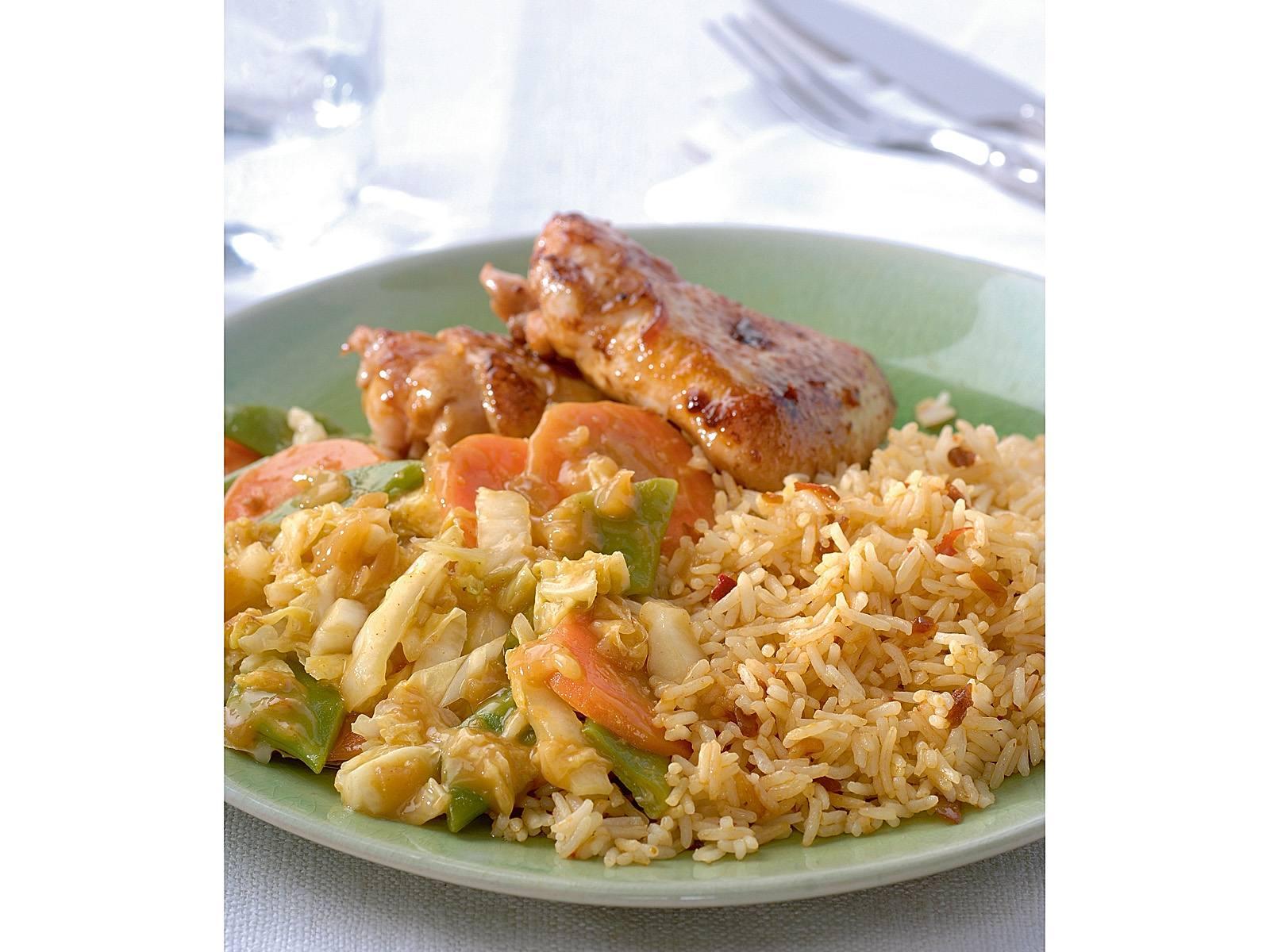 Sajoer met sambalrijst en kip