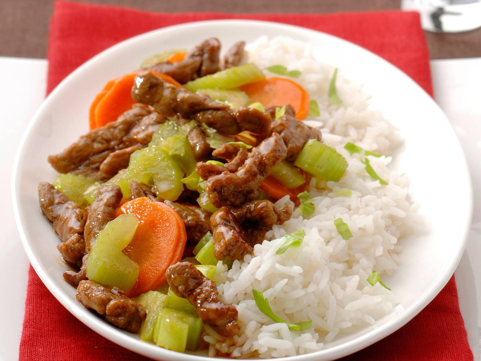 Teriyaki rundvleesreepjes met knapperige wortel en selderij