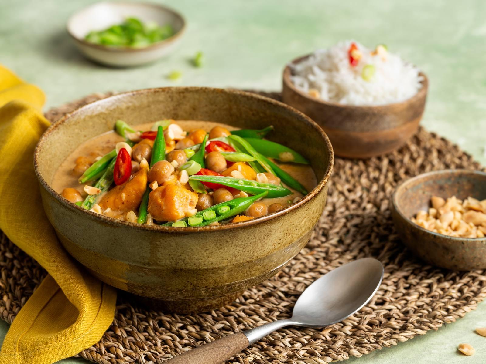 Thaise Massaman Curry met zoete aardappels en kikkererwten