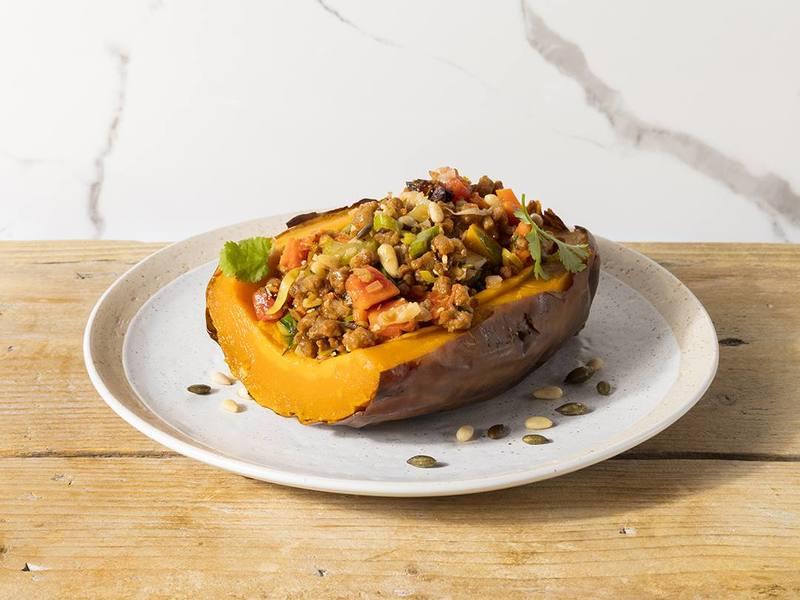 Calabaza al horno rellena de Picado Carnal vegano
