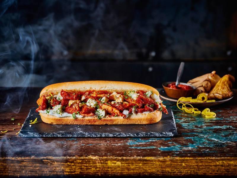 Sándwich ahumado en BBQ de Rebeldes de Corral vegano
