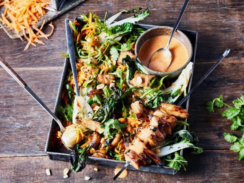 Aziatische vegan Teriyaki-Kipstuckjes Salade