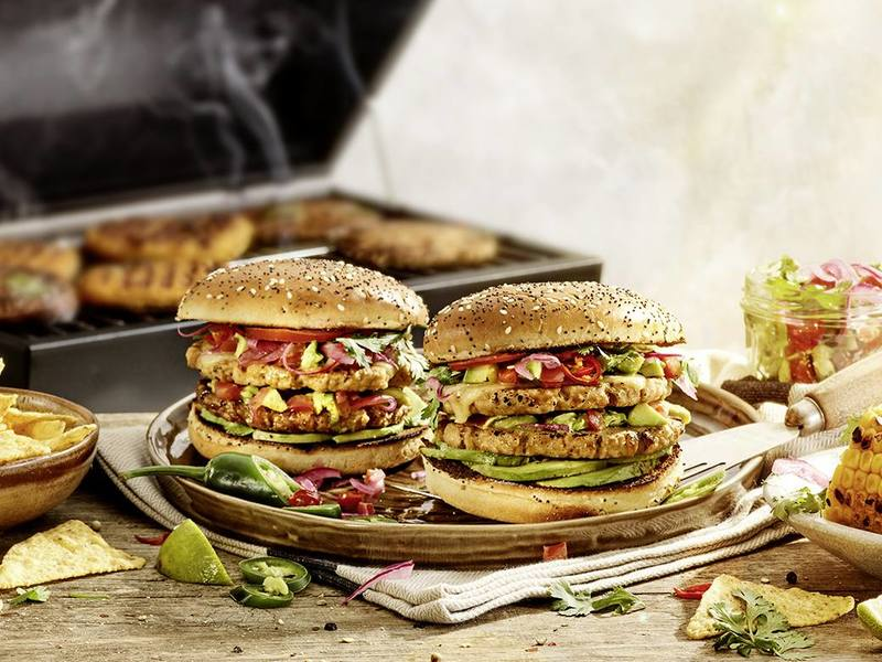 Dubbele vegan Bofkipburger met chipotle saus