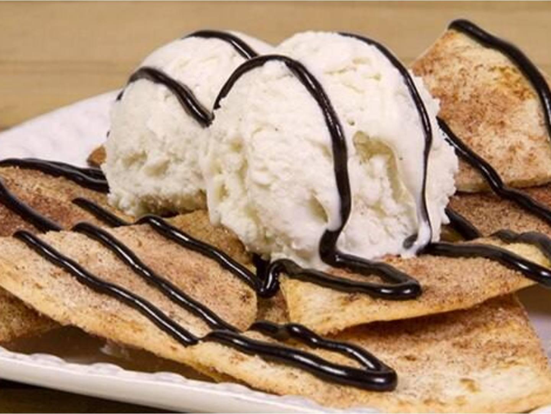 Breyers® Postre de nachos con ganache