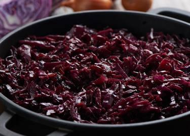 Col morada con vinagre balsámico y arándanos rojos