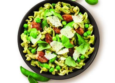Creamy Chicken and Spring Pea Pesto Pasta