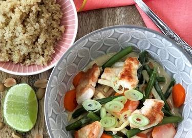 Erdnuss-Curry mit Hühnchen und Gemüse