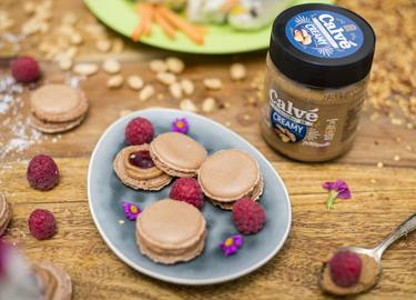 Peanutbutter-Jelly-Macarons