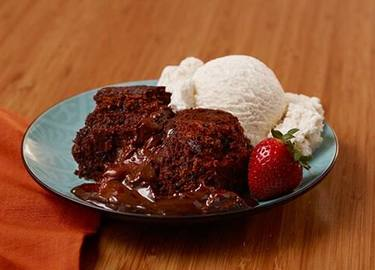 Slow Cooker Molten Chocolate Peanut Butter Cake