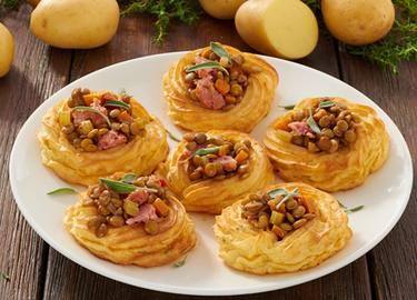 Pasteles de puré de patatas con lentejas