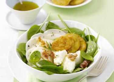 Knorr - Frühlingssalat mit gerösteten Semmelknödelscheiben