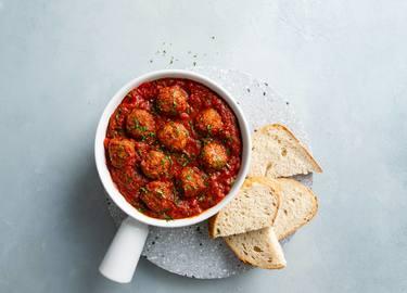 Vegetarische Ohne-Hick-Hack Bällchen in Tomatensauce