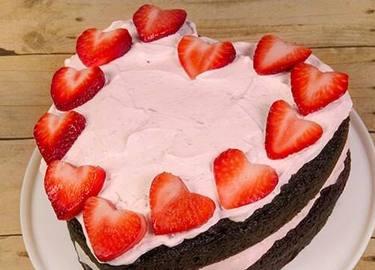 Strawberry Heart Ice Cream Cake Recipe