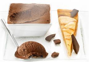 Tarte aux pommes et glace chocolat noir